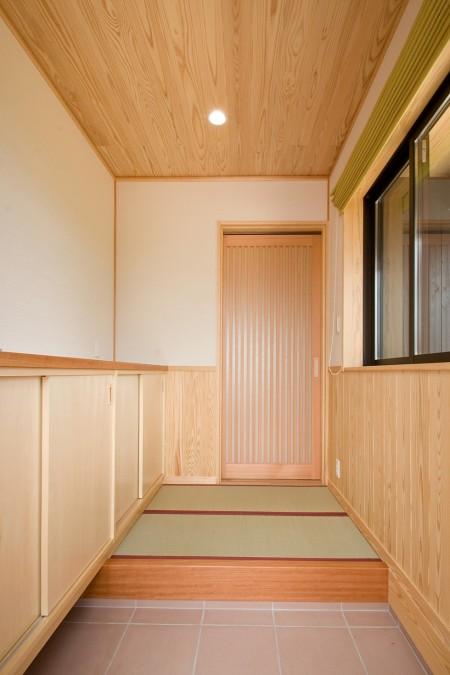 畳敷きの玄関ホール