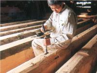 「匠による熟練の技」が木の恵みを最大限に活かします。