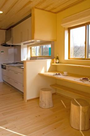 キッチン横の食卓